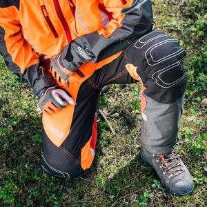 Slika za kategorijo Zaščitne gozdarske hlače